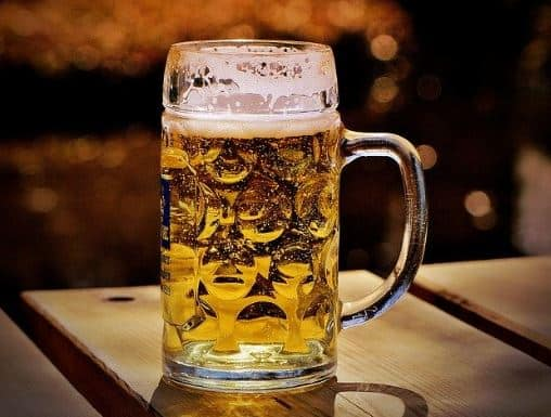picture of a lager in a glass mug