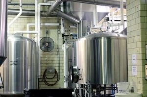 commercial beer brewing tanks