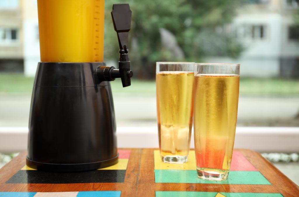 draft beer dispenser with glasses