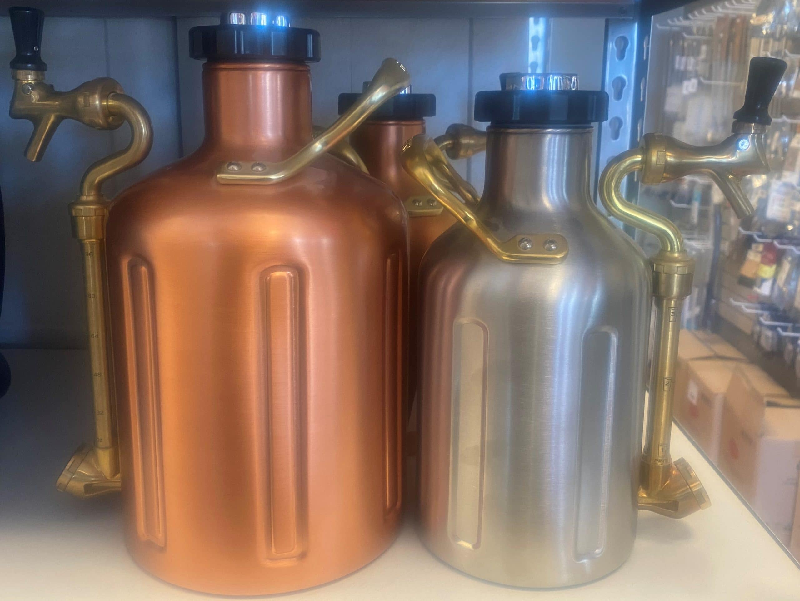 Pressurized growlers