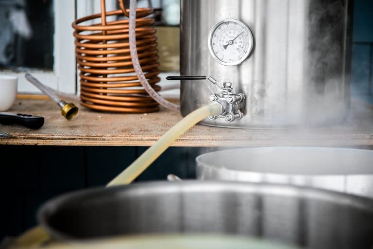 wort chiller and beer brewing kettle